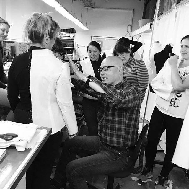 Últimos días para apuntarte a al curso Moulage sobre cuerpo del 1, 2 y 3 de abril !Con el mejor patronista Shingo Sato, en muchafibra en Barcelona#muchafibra #shingosato #barcelona #bcn #cursodecostura #patterndrafting #patternmaking #patterndesign #patronaje #costuramedida #altacostura #hautecouture #mademyclothes #doityourself #costuramedida #handmade