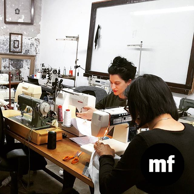 Te enseñamos a coser con máquina y a sacar el patron de las prendas que más te gustan  #basicsewing #sewingclasses #mademyclothes #doityourself #muchafibra #barcelona