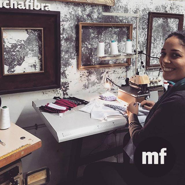 Trabaja con maquinaria profesional ! En #muchafibra te rentamos máquinas de coser industriales ; overlock, plana, recubridora, doble arrastre, zig zag  #barcelona #whomadeyourclothes #patterndrafting