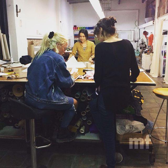 Aprende con nosotros a crear tu ropa! ️ Créeme te vas a encantar! ????#doityourself #sewing #cursodecostura #pattern
