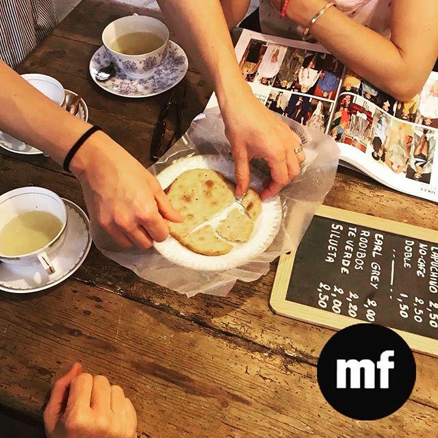 Te acogemos de lunes a viernes de las 10 a las 8 en nuestro #cafecouture ️ Pásate por el taller, te va a encantar ????#croissant #cafe #muchafibra
