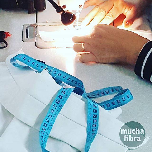 Trabaja con herramientas profesionales en nuestro taller #muchafibra #barcelona #coworkers #fromallovertheworld