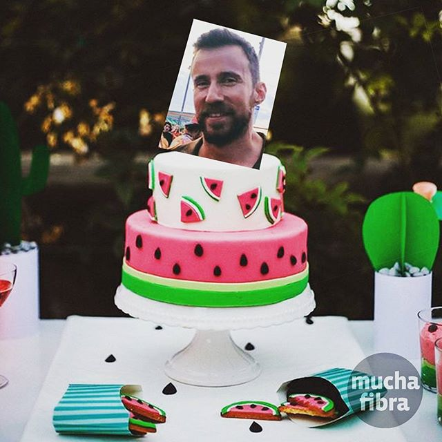 Feliz cumpleaños a nuestro querido #coworker @super_lach  día de celebración en #muchafibra  #coworking #fromallovertheworld #community #team #barcelona