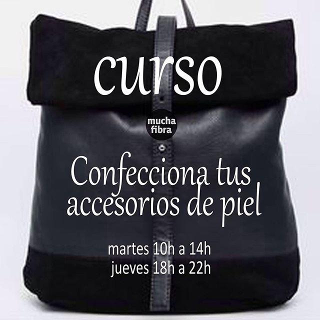 Todos los martes y los jueves aprende las diferentes técnicas para trabajar el #cuero y crea tus accesorios de #piel ️Infórmate en nuestra página o llámanos al 935 665 157!#muchafibra #leather #sewingclass #costura #diy #patterndrafting #marroquineria #barcelona #handmade
