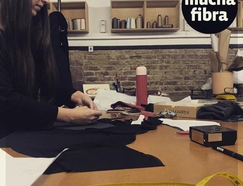 Les presento a Alba la directora creativa de la marca @figtreeibiza desarrollando sus #patrones para la próxima #temporada de #trajesdebaño ️????#emprendedores #diy#bikini #lenceria #barcelona #ibiza