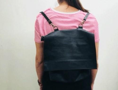 @monique_du_nono  y su encantadora sonrisa en nuestro curso de cuero! Feliz con su mochila  Es linda y perfecta para ir caminando por la ciudad. Apúntate al curso de marroquinería y haz tu propia mochila!! #workshop #handmade #cursodecuero #alumna #sewingbarcelona #marroquineria #diseñadora #barcelona #diy #crear #muchafibra