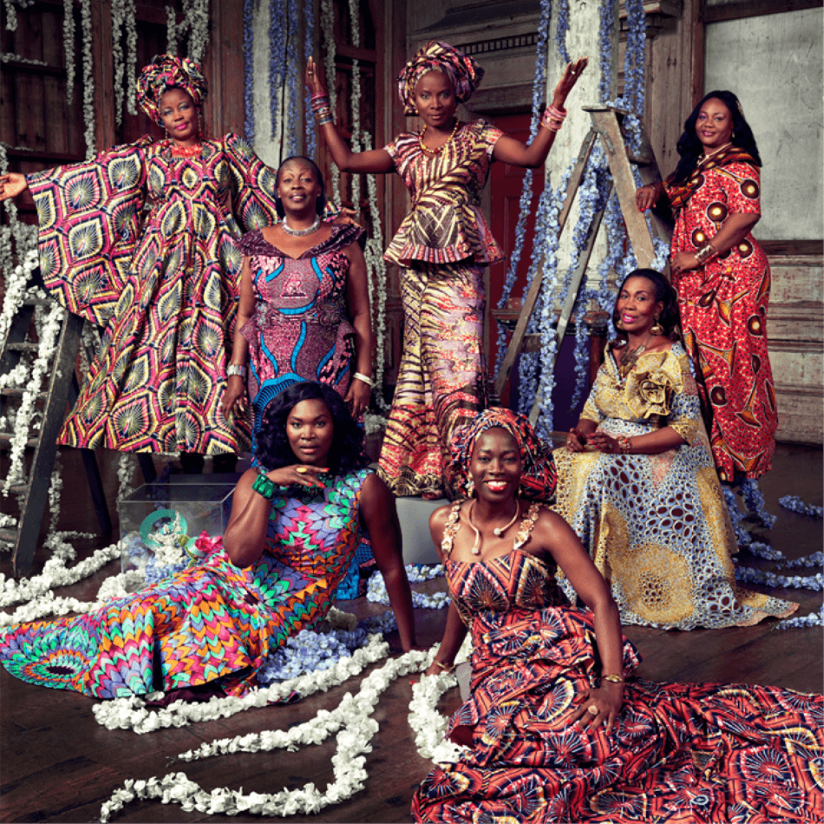 imagen de mujeres africanas en estampados de Vlisco