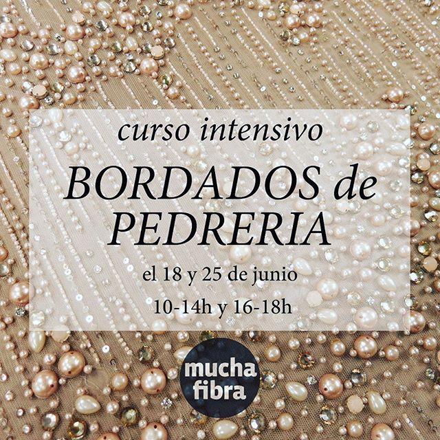 Acordate que tenemos el #curso de #bordados de #pedreria  #perlas y#canutillos durante  los dos proximos lunes. Aprovecha la oportunidad de #aprender a  adornar y personalisar tus colecciones Informate  o reserva directamente tu plaza en nuestra web muchafibra.com o por mail a info@muchafibra.com #muchafibra #academiadecostura en #barcelona