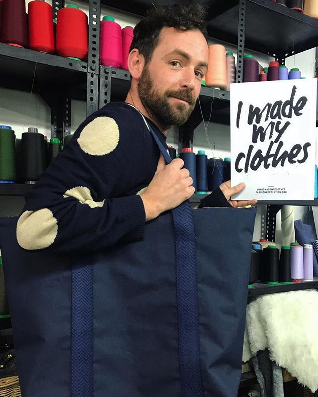 ¡Haz tu propia ropa!️Ven a MUCHAFIBRA y únete a la #fashionrevolution...#imademyclothes #muchafibra #diy #diseñobcn #moda #fashiondesign #handmade #diseñadoresemergentes